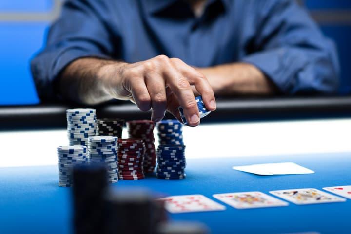 poker hand odds postflop