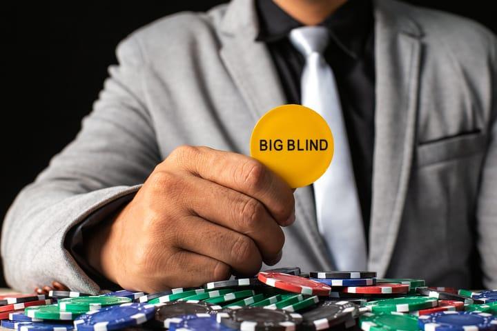 Straddle poker UTG