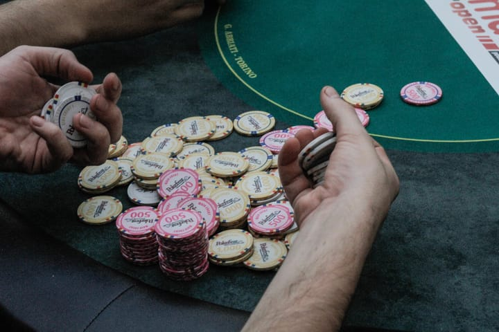 Poker cash games income