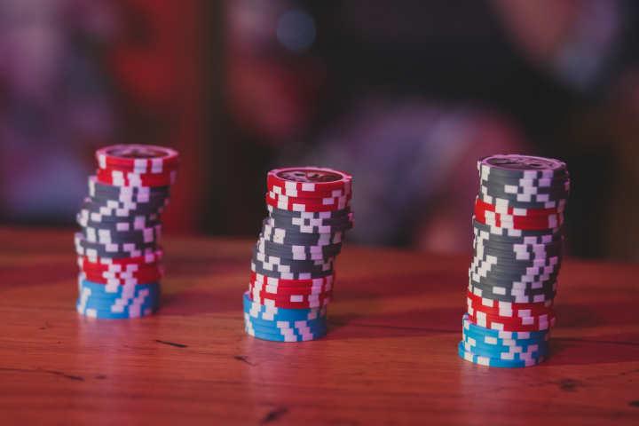Poker tournament setup